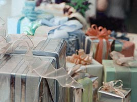 Wedding Gifts For A Friend In Sri Lanka : What kind of gifts you can present on any Tamil wedding ceremony?
